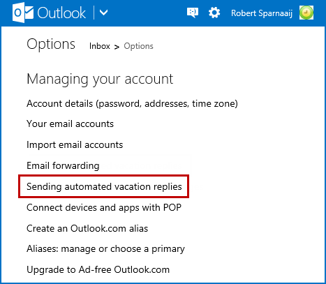 Setting a vacation reply in Outlook.com.